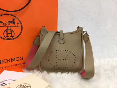 Mini Hermès Evelyne TPM Bag สีน้ำตาลอ่อน