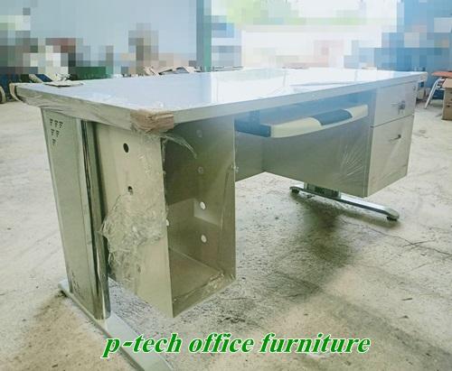 โต๊ะคอมพิวเตอร์ 1