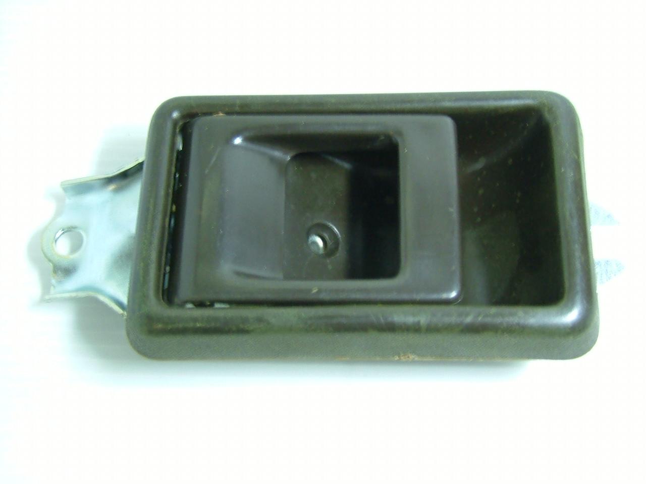 มือเปิดประตูอันใน HINO FB-FM-KM / สีน้ำตาล / LH (1806004)