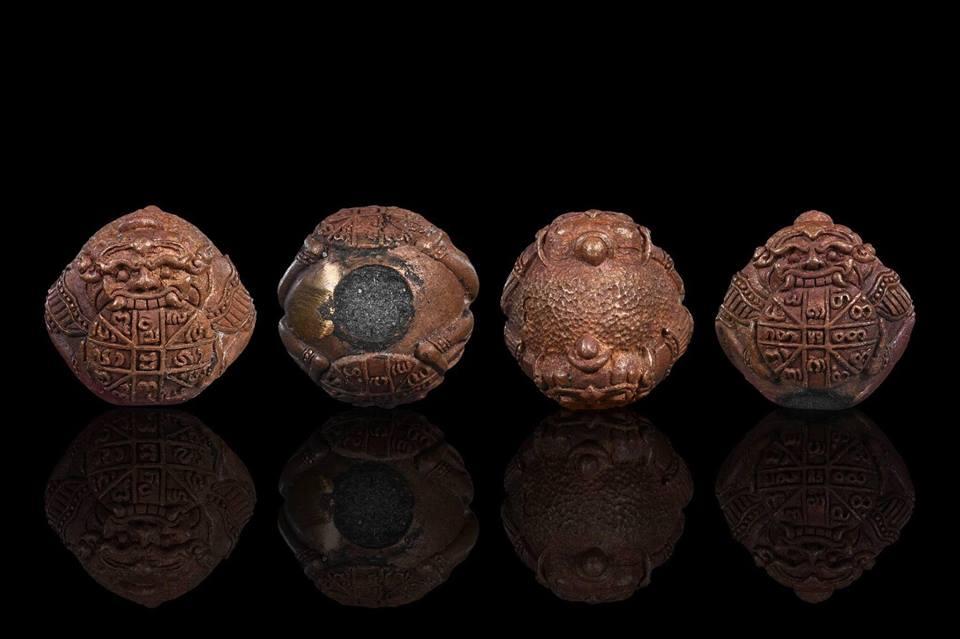 ราหูกินทอง คะนองเมือง รุ่นแรก หลวงปู่ ตุ๊เจ้าป่า (หลวงปู่ ครูบาบุญยัง) วัดหนองโค เนื้อแดงสายไฟฟาด