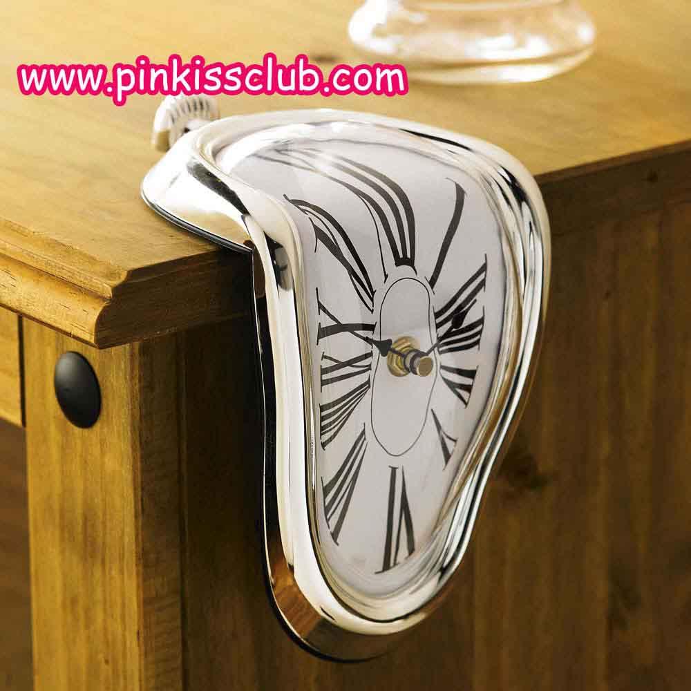 นาฬิกาเบี้ยว นาฬิกาสไตส์ Alice in Wonderland