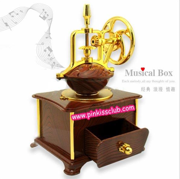 กล่องดนตรีเครื่องบดกาแฟ โบราณ