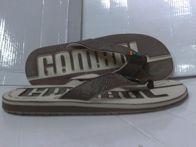 รองเท้าเตะ GAMBOL