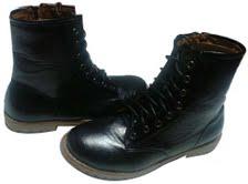 รองเท้าหนังบู๊ตสตรี มีทีนี้ทีเดียวที่ทำให้ผู้หญิง มีชิบข้าง หนัง สีดำ สีน้ำตาล