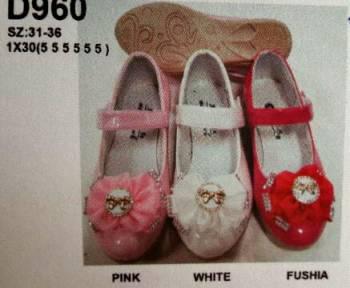 ขายส่งราคาถูก รองเท้าเด็กผู้หญิงมีคาด ตรงกลาง พื้นยาง