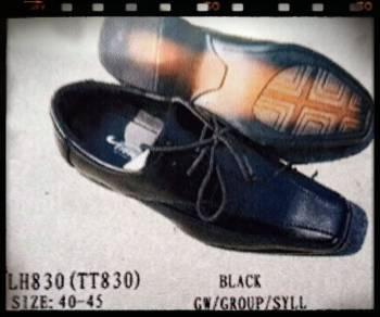 ขายส่ง รองเท้าคัชชูใส่ทำงาน สีดำ หัวแหลม หนังด้าน