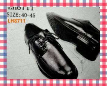 ขายส่ง รองเท้าคัชชูผู้ชาย หัวกลม ผูกเชือก หนังด้าน ใส่ทำงาน สีดำ