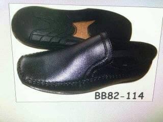 รองเท้าคัชชูใส่ทำงาน ใส่เที่ยว หนังเรียบ หนังด้าน สีดำ ทอมเบอร์เล็ก