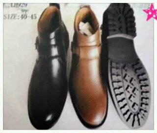 ขายส่งรองเท้าหุ้มข้อ หนังด้าน สีเรียบ ไม่มีลาย