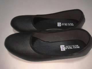 รองเท้าคัชชู สีดำ ส้นเตี้ย พื้นยาง ไม่มีลาย หนังด้าน ใส่เรียน ทำงาน