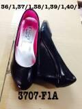รองเท้าสีดำ ขายส่ง ส้นเตารีด สีดำ ไม่มีลาย หนังด้าน หนังแก้ว หนังกำมะหยี่