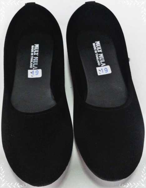 รองเท้าคัชชูสีดำ ส้นเตี้ย พื้นยาง กำมะหยี่ ไม่มีลาย หัวกลม ผู้หญิง