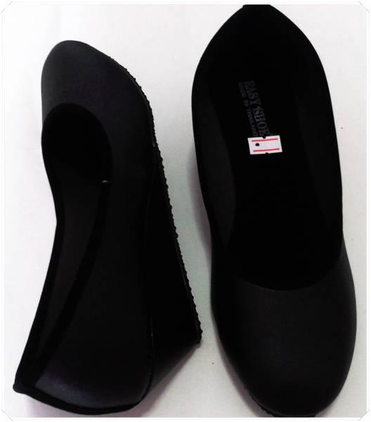 รองเท้าคัชชู ส้นเตารีด สีดำ ไม่มีลาย หนังด้าน หัวกลม ผู้หญิง