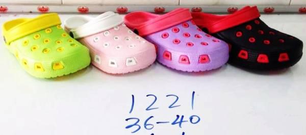 รองเท้ายางหัวโต ผู้หญิง ขายส่ง รัดส้นข้างหลังได้