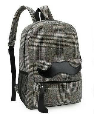 กระเป๋าเป้ ลายหนวด สีดำ  หนัง