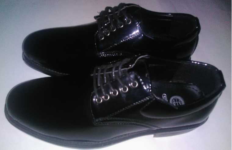 รองเท้าหนังแก้วผูกเชือกคัชชู ผู้ชาย ใส่ทำงาน ใส่่เรียน สีดำ