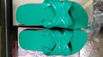 รองเท้าแตะสวมฟองน้ำสีเขียว  ชาย หญิง ขายส่ง