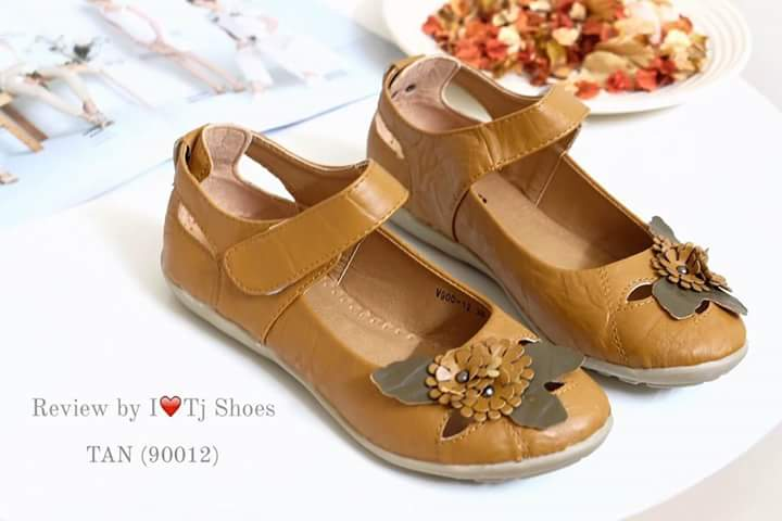 รองเท้าสุขภาพ คัชชู ผู้หญิง มีสายคาด ลายดอกไม้ พื้นยาง