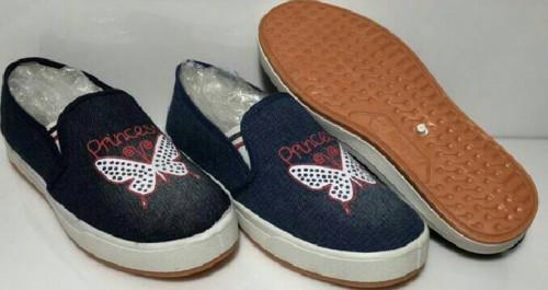 รองเท้าผ้าใบ ผู้หญิง มีส้น 1 นิ้ว สไตล์ เกาหลี แฟชั่น มีลวดลาย ราคาไม่แพง