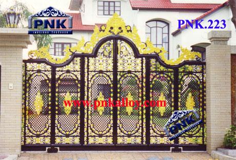 PNK.223 ประตู **ลายปิยะมาศ ยอดกุหลาบ**