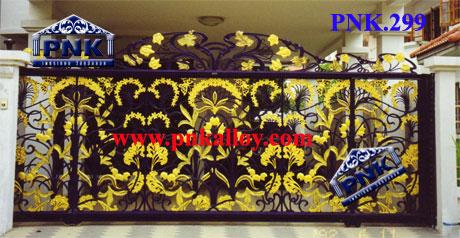 PNK.299 ประตู **ลายสวนดอกไม้**
