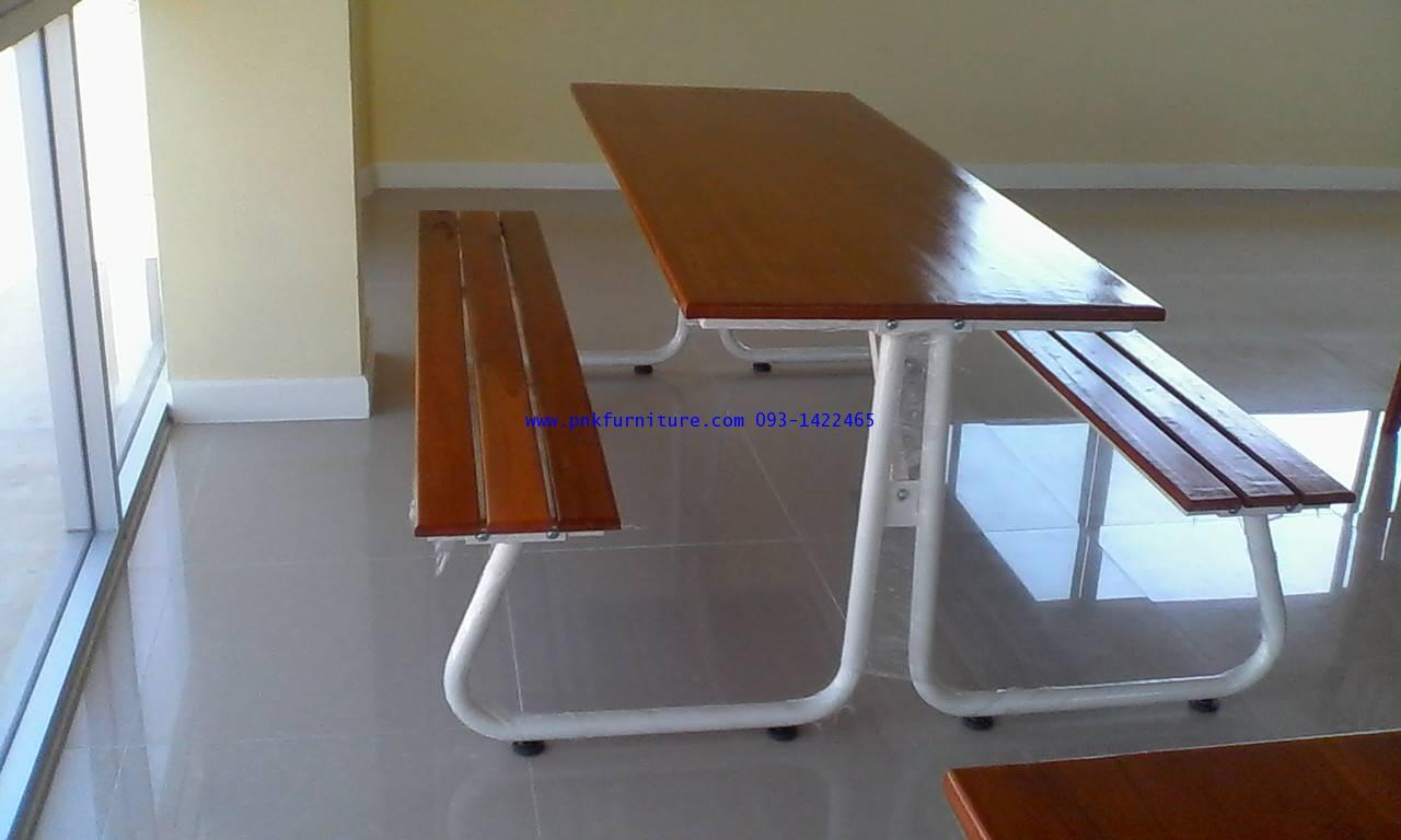 โต๊ะโรงอาหารหน้าไม้สักประกอบเป็นแผ่นเดียว ขา J ที่นั่งไม้ระแนง kkw2-26