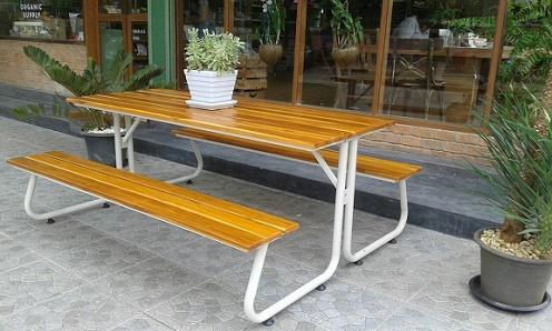 โต๊ะโรงอาหารขา J หน้าไม้สักตีระแนง ขนาด 180ซม. kkw23-1