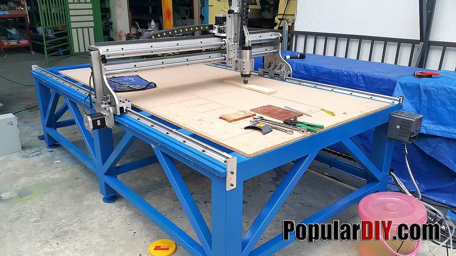 เครื่อง CNC ขนาดใหญ่มาก ระยะกัดงานประมาณ 1.3เมตร*2.5เมตร ราคาประหยัด