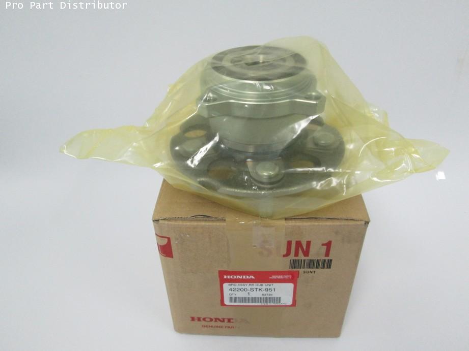 ดุมล้อหลังพร้อมลูกปืน ฮอนด้า อะไหล่แท้รถยนต์ฮอนด้า HONDA CRV 2007 (รหัสอะไหล่แท้ 42200-STK-951)