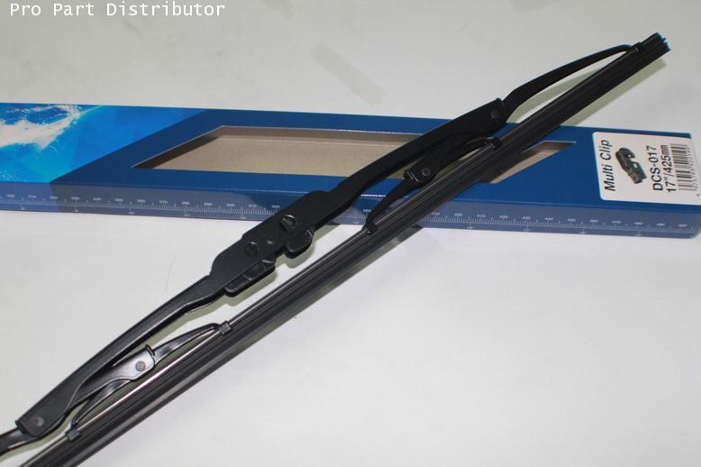 ใบปัดนํ้าฝน DENSO ขนาด 17 นิ้ว ใช้ได้กับ รถยนต์ทุกยี่ห้อ ทุกรุ่น อะไหล่แท้รถยนต์(รหัส DCS-017)