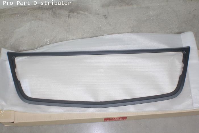 คิ้วหน้ากาก สีดำ รถยนต์ เชฟโรเลต โคโลราโด CHEVROLET COROLADO 2008 อะไหล่แท้รถยนต์ (รหัส 8980406022)