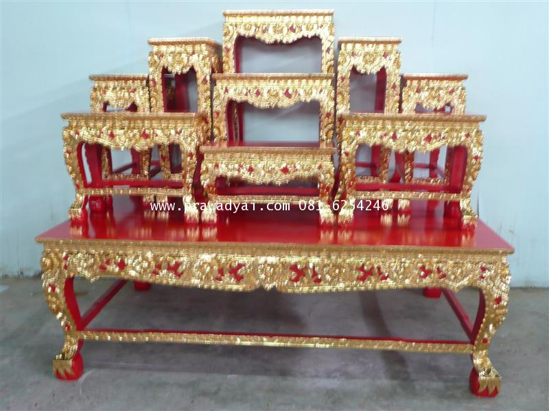 โต๊ะหมู่บูชา หมู่ 9 หน้า 8 ขาสิงห์ แกะลายดอกไม้ ปิดทอง (TP123K)