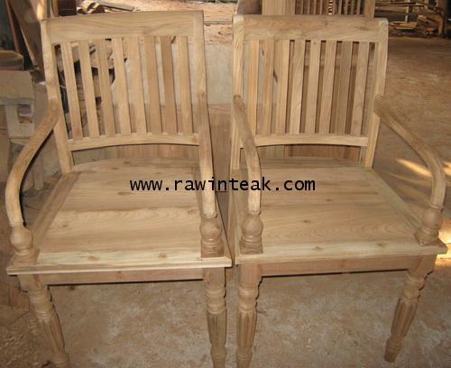 จำหน่ายเฟอร์นิเจอร์ไม้สัก เก้าอี้ไม้สักขากลึง มีที่พักแขน สไตล์ หลุยส์