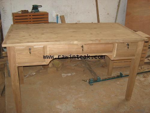 โต๊ะทำงานไม้สัก 3 ลิ้นชัก
