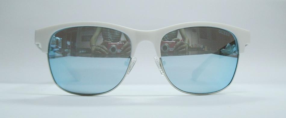 แว่นกันแดด GUESS GU6859 สีขาว เงิน