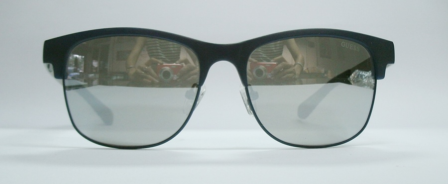 แว่นกันแดด GUESS GU6859 สีดำ