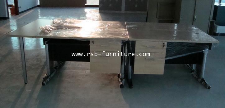 ชุดโต๊ะทำงานตัวต่อขนาด 4 ที่นั่ง + โต๊ะวางของต่อข้าง รหัส 702 ขนาดรวม W280XD120CM