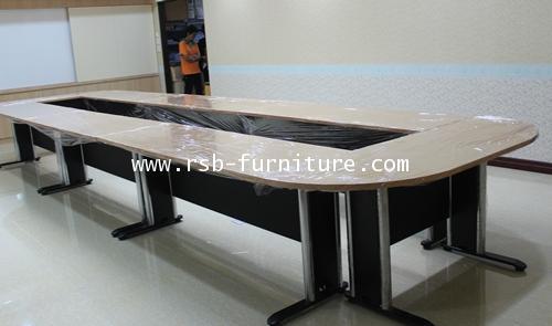 โต๊ะประชุมตัวต่อ ขาเหล็กปั๊มเงา 14-18 ที่นั่ง W600XD180CM รหัส 1085 รุ่นขายดี