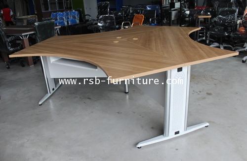 โต๊ะทำงานกลุ่มสามเหลี่ยม 3 ที่นั่ง โต๊ะทำงาน ขาเหล็กปั๊มเงา 240 CM รหัส 1416