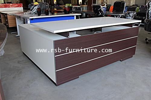 โต๊ะทำงานผู้บริหาร 2 ลิ้นชัก+ตู้ข้าง สีเวงเก้ตัดขาว ขนาด W180XD80 CM รหัส 1523