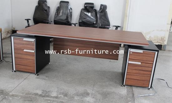 โต๊ะผู้บริหาร 2 ลิ้นชัก ซ้าย-ขวา W230XD87 ตรงเลขตามหลักฮวงจุ้ย เมลามีนสีพิเศษ B-WALNUT รหัส 1599