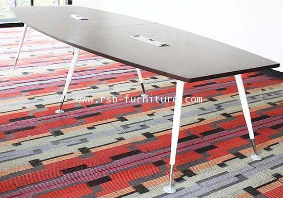 โต๊ะประชุมขาเหล็กทรงเรือ 8-10 ที่นั่ง W320XD120 CM รหัส 1639