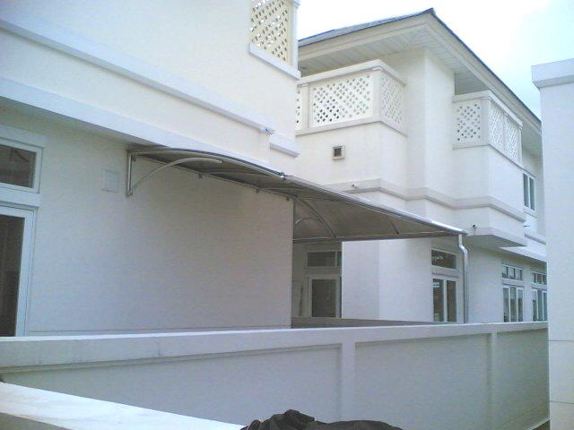 โครงหลังคาสเตนเลสโพลีคาร์บอเนต (Stainless Steel Polycarbonate Roof) 2