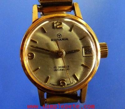 นาฬิกาข้อมือหญิงยี่ห้อ RODANIA
