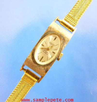 นาฬิกาข้อมือหญิงยี่ห้อ DRAGA SWISS MADE
