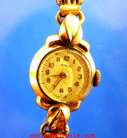 นาฬิกาข้อมือหญิงยี่ห้อ MORA SWISS MADE