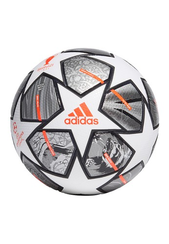 ลูกฟุตบอลAdidas