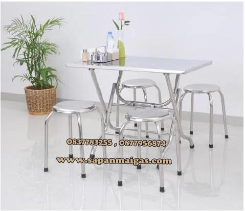 โต๊ะพับสเตนเลส พับได้ ยาว 1.10 กว้าง 0.70 เมตร.+เก้าอี้