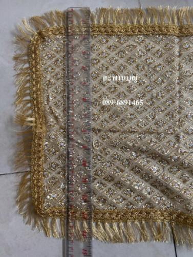 ผ้าห่มพระประธาน ผ้ากากเพชร ( ผ้านำเข้า )ผ้าเพชร  ขอบทอง  สไบทอง