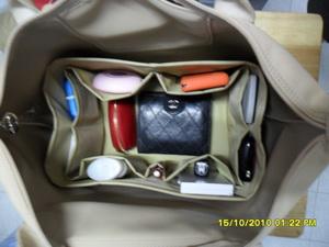 ช่องจัดระเบียบกระเป๋า Longchamp planet/m หูสั้น (สีเบจ)